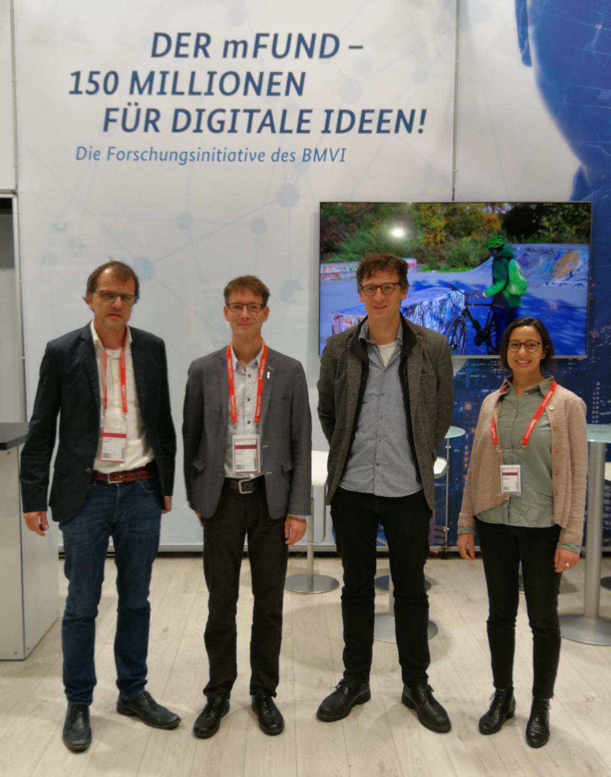 incora-Kickoff: Dr. Fabian Dosch (BBSR); Dr. Markus Neteler, (mundialis GmbH & Co KG), Prof. Dr. Stefan Fina (ILS); Dr. Hajar Benelcadi, mundialis GmbH & Co KG (v. l. n. r.)